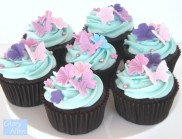 Chocolate-cupcakes-with-accents-e1343274189684
